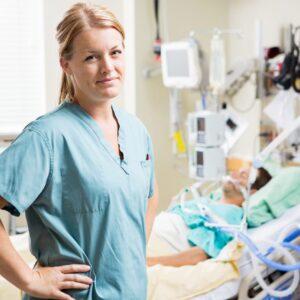 Técnico en Cuidados Auxiliares de Enfermería (TCAE)